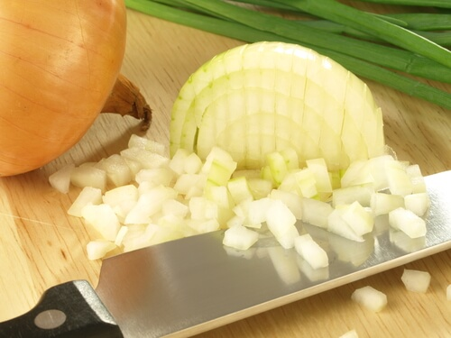 onion helps prevent varicose veins
